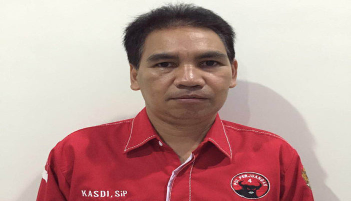 Sisi Lain Seorang Anggota DPRD Ketapang, Tempuh 9 KM Jalan Kaki Ke Sekolah