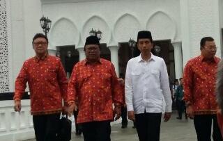 Jokowi Resmikan Masjid Agung KKU