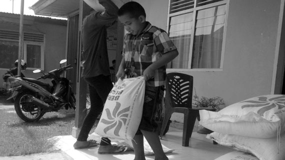 Parah, Bantuan Beras Anak Yatim Dihapus