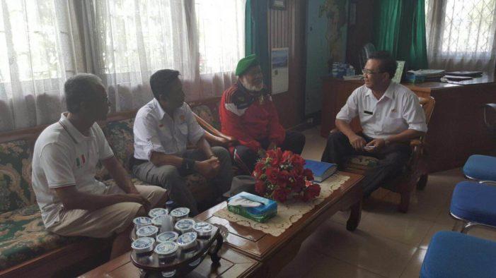 Meski Ujur, Tak Lelah Keliling Indonesia Kampanyekan Pelestarian Hutan