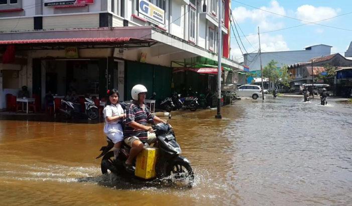 Jalan Ini Kerap Terendam Banjir