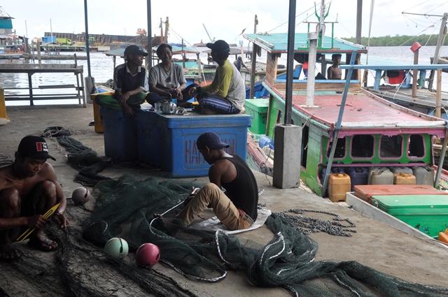 Cuaca Buruk Nelayan Banyak Tak Melaut, Harga Ikan Naik