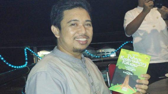 Buku Legenda Pohon Kedondong Raksasa Hadir di Ketapang
