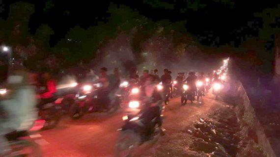 Ribuan Umat Muslim Meriahkan Malam Taqbiran
