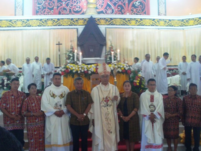 Dua Putra Ketapang di Tahbiskan Menjadi Pastor