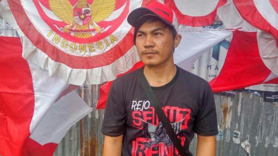 Menatap Realitas Penjual Bendera Asal Pulau Jawa di Ketapang