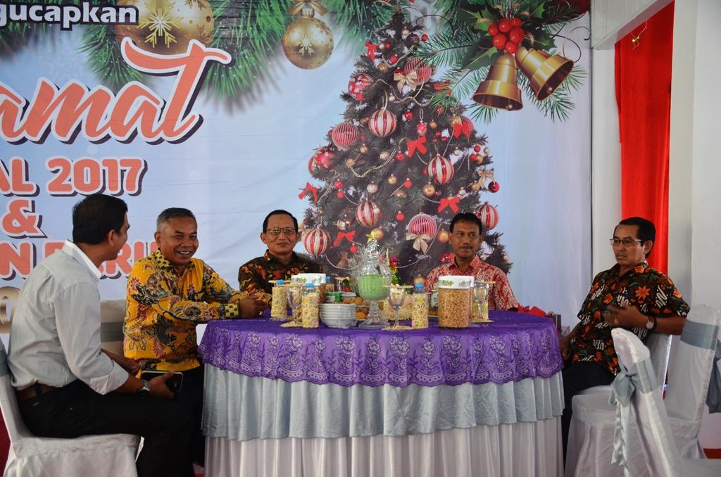 Bupati Martin Rantan SH mendapat kujungan dari Wabup Drs H SUprapto bersama para asisten dan kepala SKPD di Pendopo Bupati Ketapang