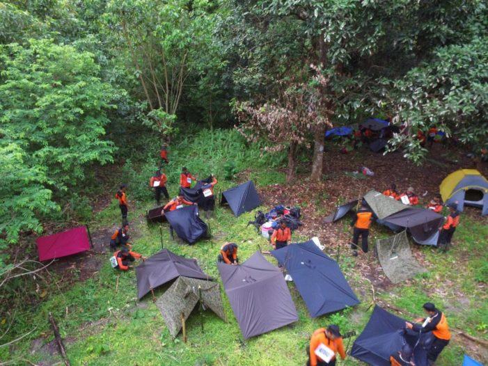 60 Anggota Manggala Agni Bertahan Hidup di Hutan