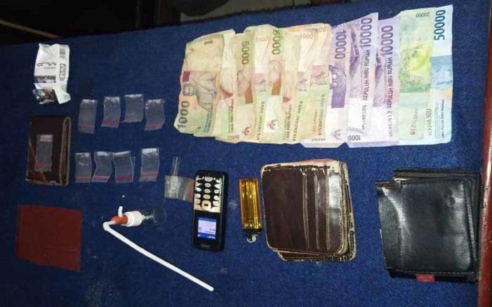 Asyik Pesta Narkoba, Tiga Pelaku Ditangkap Polisi