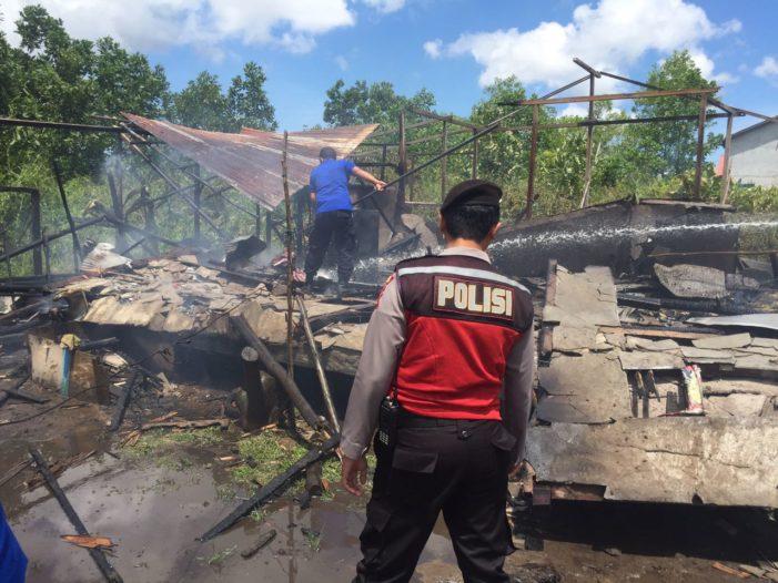 Satu Rumah Terbakar Di Jalan Karya Tani