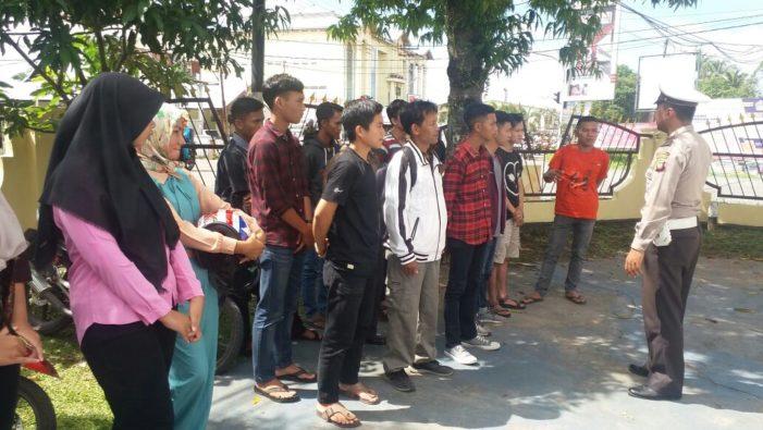 Permohoan Pembuatan SIM di Satlantas Polres Ketapang Ramai