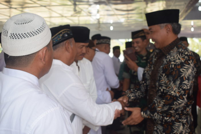 248 JCH Asal Kabupaten Ketapang Dilepas Bupati