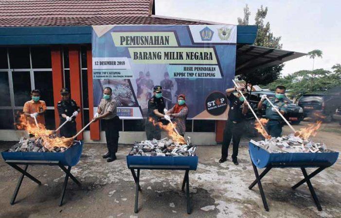 Ratusan Ribu Batang Rokok Ilegal Dimusnahkan
