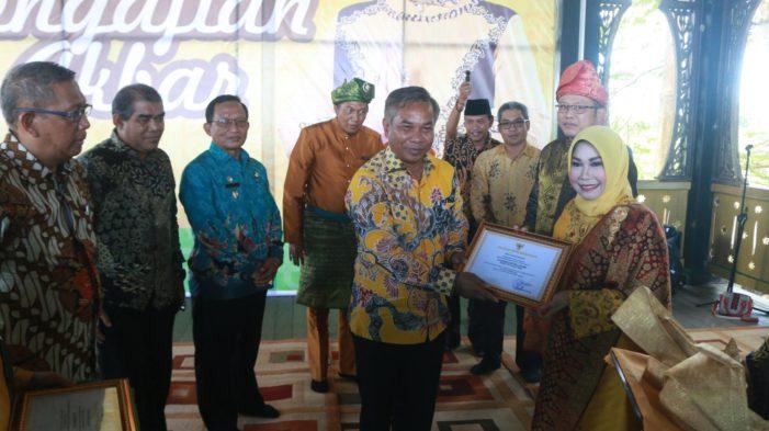 Gubernur Kunjungi Morkes Effendi, Sekaligus Hadiri Peresmian Jembatan Kuning Kyai Mangku Negeri
