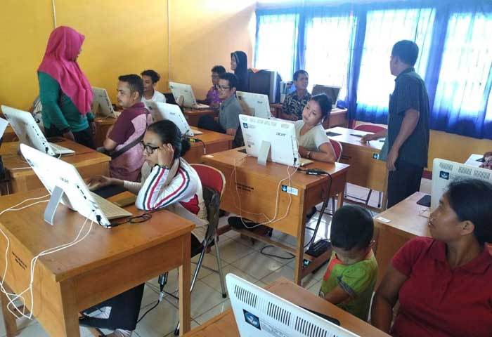 UAS Program Kesetaraan di Ketapang Terbatas Komputer