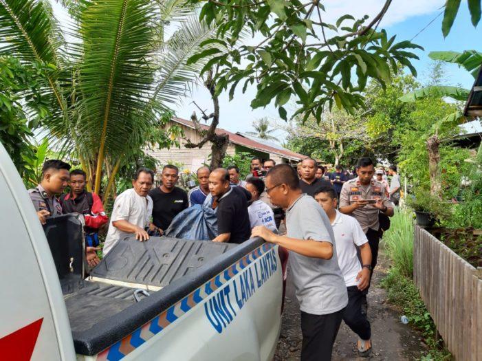 Kecebur Ke Sungai Pawan, Pensiunan Pegawai Negeri Meninggal