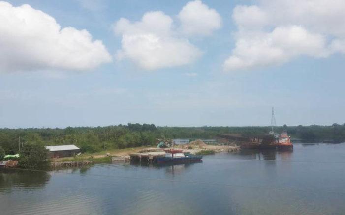 Sudah Disegel, Diduga Masih Ada Kapal Bertambat di Dermaga Dekat Pawan Dua