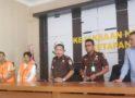 Tersangka Korupsi DD dan ADD Tanjung Pasar Dibawa ke Pengadilan Tipikor
