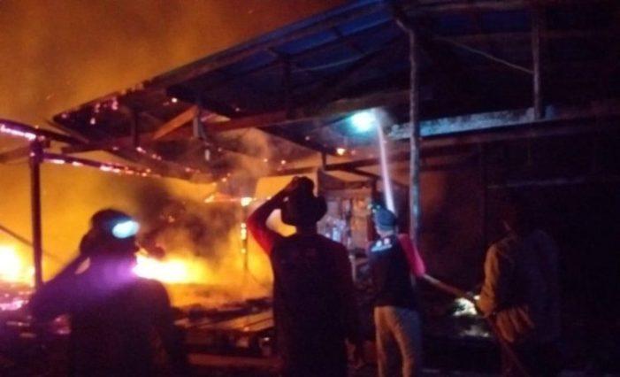 Api Bakar Gudang Penyimpanan Ikan dan BBM Nelayan