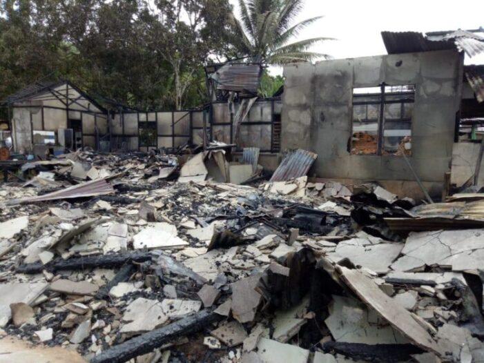 Enam Rumah Warga Desa Randau Jungkal Terbakar