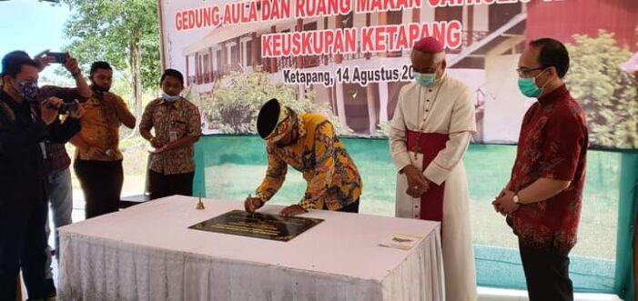 Bupati Resmikan Gedung Aula Chatolic Centre Keuskupan