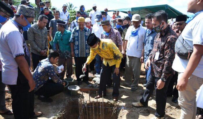 Sekda Farhan Letakan Batu Pertama Pembangunan Masjid Miftahul Jannah