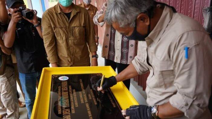 Kembali Bupati Resmikan Pasar Desa Piansak
