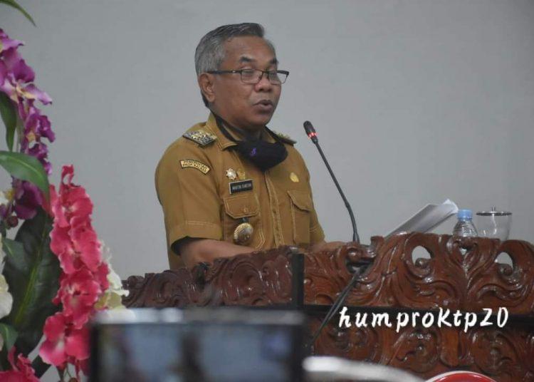 Bupati Ketapang Martin Rantan saat menyampaikan RAPBD di Ruang Rapat Utama DPRD Ketapang, pada Senin (14/08/2020).