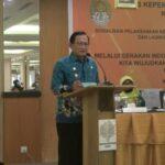 Pelaksana Tugas (Plt) Bupati Ketapang, Suprapto S, resmi meluncurkan aplikasi Elektronik Sistem Informasi Administrasi Kependudukan (E-SIAK