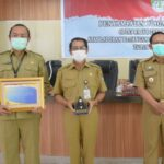 Piagam penghargaan WTP yang diterima Pemkab Ketapang dari Kementrian Keuangan RI.