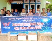 PT WHW Kembali Salurkan Bantuan Bingkisan Natal ke Empat Dusun di Kendawangan