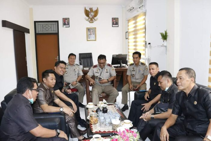Komisi II DPRD Ketapang Kunjungan Kerja Ke Dinastanbun & kantor BPN Ketapang.