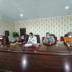 Zoom Meeting pembahasan draf keputusan Gubernur Kalimantan Barat, terkait percepatan peningkatan status kemajuan dan kemandirian desa di Provinsi Kalimantan Barat, pada Kamis (15/04/2021).