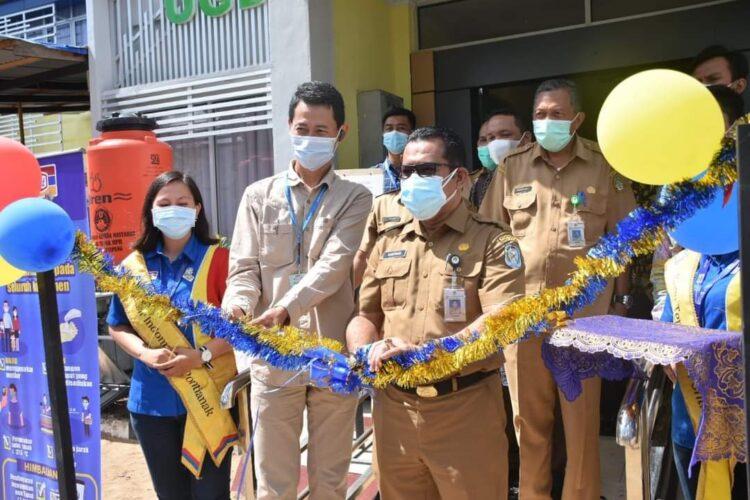 Pj. Sekda, Suherman, SH.,M.H menghadiri acara serah terima bantuan renovasi bangunan Puskesmas Sukabangun.