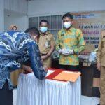 wakil Bupati Ketapang H.Farhan, SE.,M.Si  menghadiri pemberikan bantuan hibah sekaligus penandatangan NPHD.