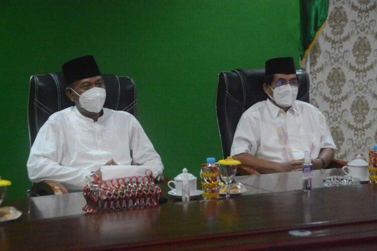 Wakil Bupati Ketapang, H. M. Farhan, SE.,M.Si didampingi asisten III Drs. Heronimus Tanam, ME mengikuti zikir dan doa kebangsaan 76 tahun Indonesia Merdeka.