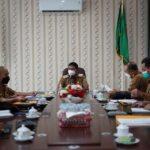 Wakil Bupati Ketapang H.Farhan, SE.,M.Si pimpin rapat terkait permasalahan jalan Pelang-Batu Tajam.