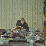 Bupati Ketapang Martin Rantan, SH., M.Sos pimpin rapat terkait perizinan perusahaan perkebunan kelapa sawit di Kabupaten Ketapang,